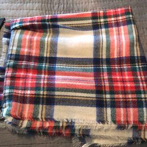 NWOT Plaid scarf